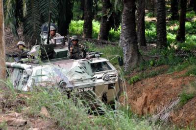 Malaysian troops_lops-daulat