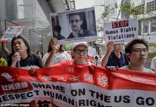 Snowden_HK