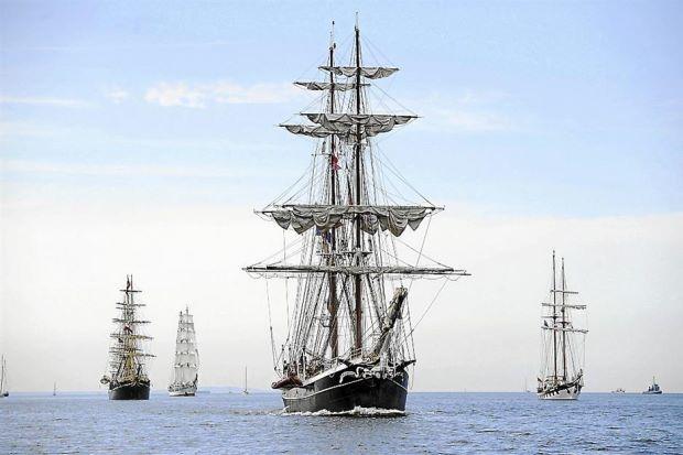 East West_ship