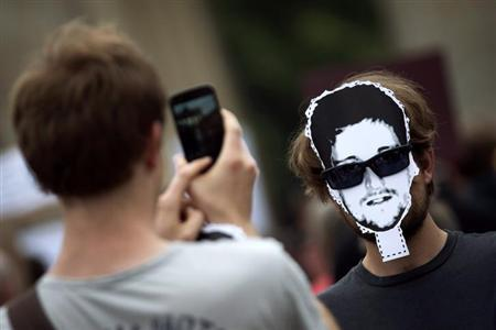 Smartphone_Ed Snowden