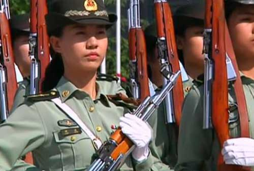 China National Day_Female guard