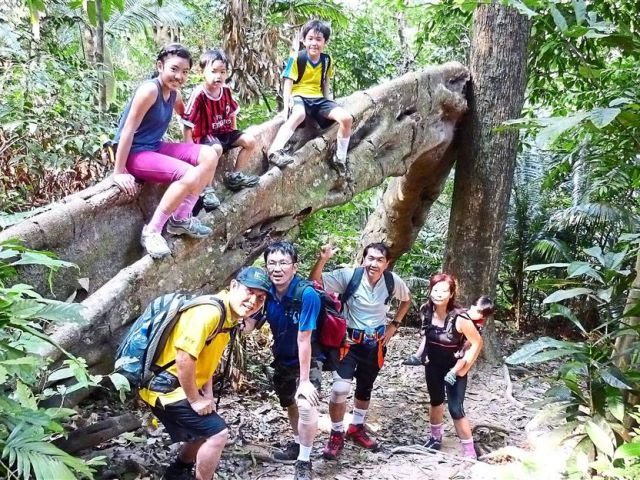 Hiking_family