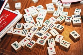 The global mahjong winner's curse